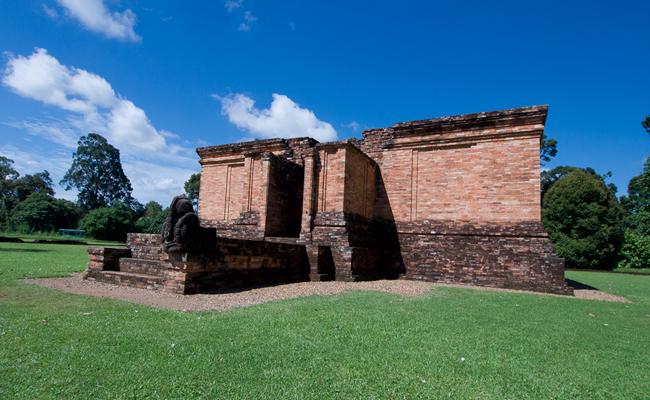 Situs Muaro Jambi Tak Terlindungi Hukum