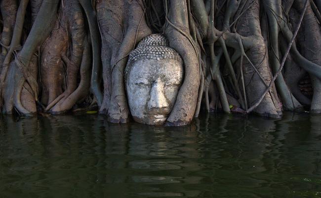 Banjir Thailand Ancam Kuil-kuil Kuno