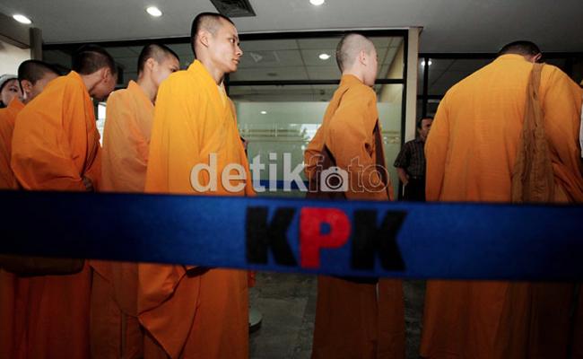 Bhiksu Walubi Minta KPK Bebaskan Tahanan Korupsi Siti Hartati Murdaya