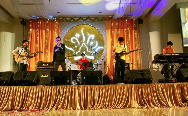 Band Sienna dari Vihara Padumuttara Juarai Buddhist Band Festival 2012
