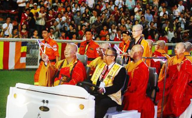 80 Ribu Orang Hadiri Pemberkahan oleh Master Hsing Yun
