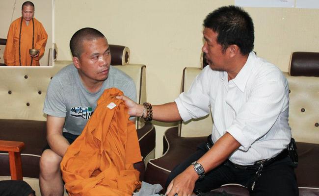 Seorang Bhiksu Gadungan Ditangkap Ketika Sedang Meminta-minta