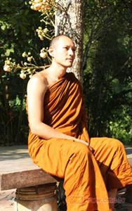 20130326 Inilah Para Selebriti Thailand yang Jadi Bhikkhu (Bagian 1)_3
