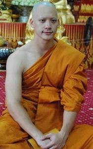 20130326 Inilah Para Selebriti Thailand yang Jadi Bhikkhu (Bagian 1)_8