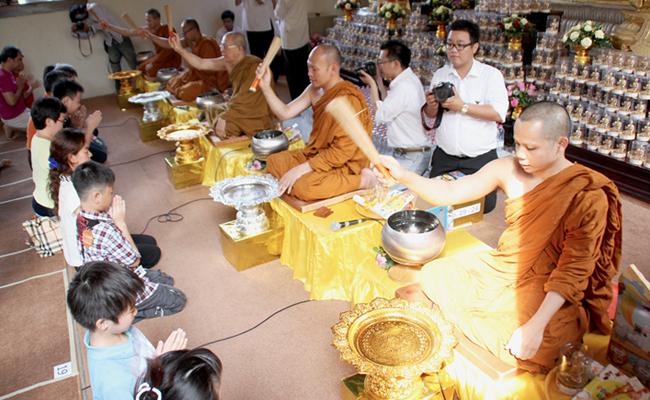 First Blessing: Pemberkahan Pertama di Jalan Buddha