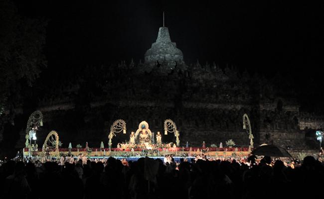 Waisak Borobudur Jadi Ajang Wisata, Upacara Keagamaan Hilang Kesakralan