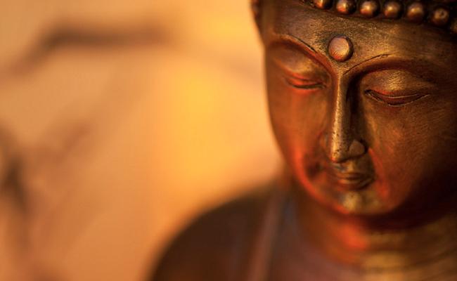 Bila Kekuasaan di Tangan Buddha