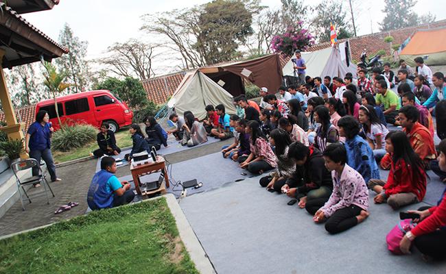 Anak Muda Buddhis Semarang dan Temanggung Adakan Dhamma Camp Bersama