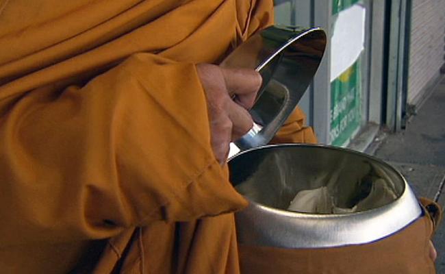 Warga Australia Diminta Waspadai Permintaan Uang dari Bhiksu Palsu