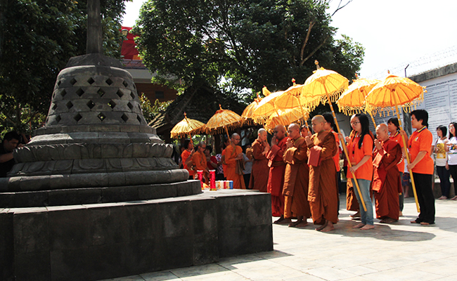 Upasampada Bhikkhuni Theravada Pertama di Indonesia Setelah Seribu Tahun