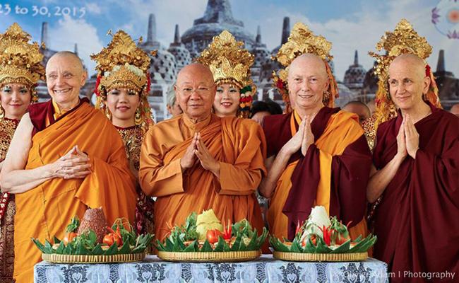 Mempraktekkan Welas Asih di Konferensi Sakyadhita