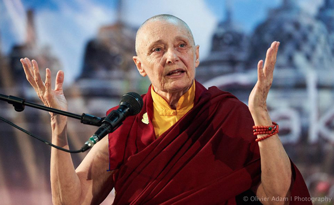 Ven. Tenzin Palmo, Mencapai Pencerahan Sebagai Seorang Perempuan