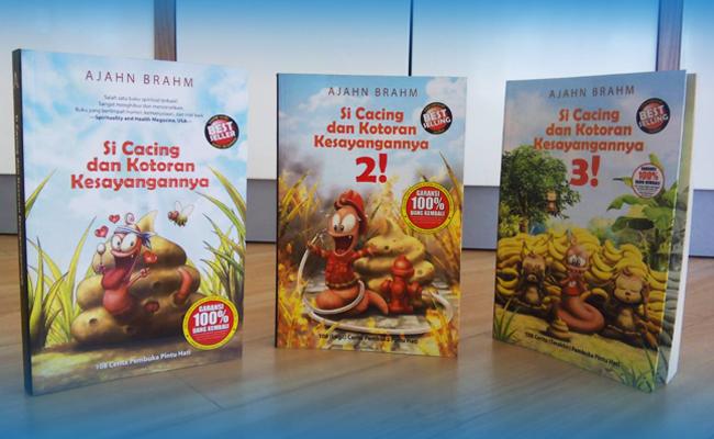 Buku Si Cacing dan Kotoran Kesayangannya Peringkat Ketiga Terlaris