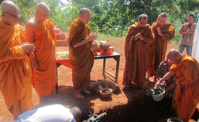 Peletakan Batu Pertama Pembangunan Vihara di Desa Tertinggi Temanggung