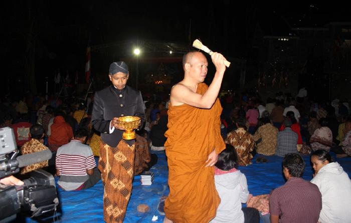 20150914 KBTI Temanggung Adakan Asadha Puja di Alam Terbuka_3