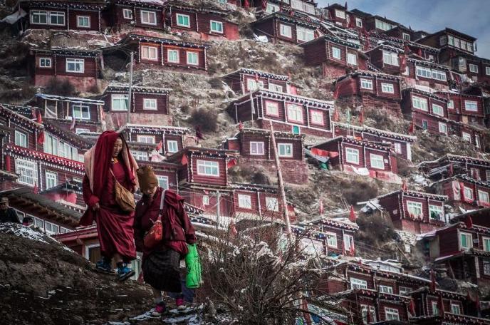 20151202 Melihat Sekolah Monastik Buddha Terbesar di Tibet_2