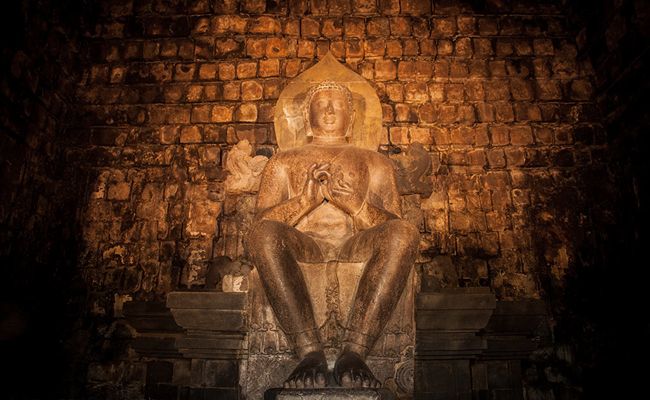 Menatap Masa Depan Agama Buddha di Nusantara