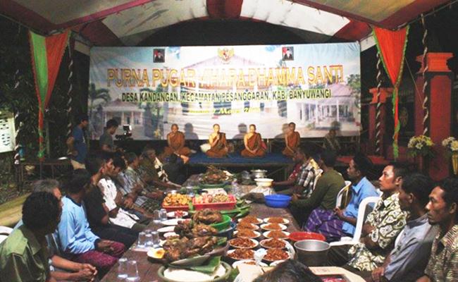 Umat Buddha Banyuwangi Gelar Syukuran Vihara Baru dengan Kendurian