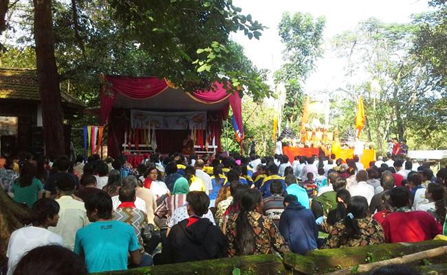 Umat Buddha Sumatera Selatan Rayakan Waisak di Bukit Siguntang