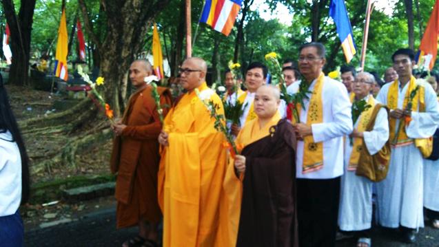 20160521 Umat Buddha Sumatera Selatan Rayakan Waisak di Bukit Siguntang 2
