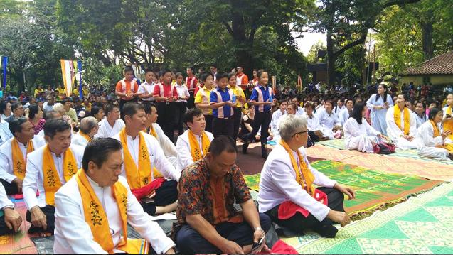 20160521 Umat Buddha Sumatera Selatan Rayakan Waisak di Bukit Siguntang 4