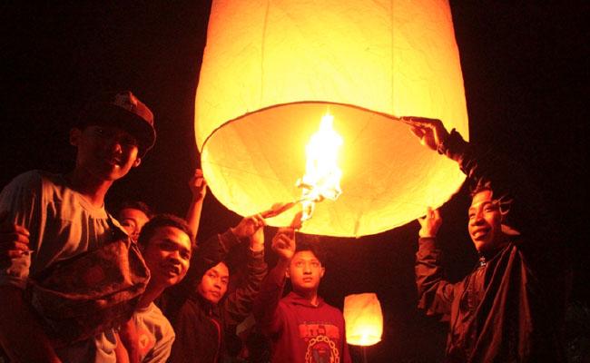 Para Pemuda Buddhis Temanggung Berkomitmen Bersama-sama Mengembangkan Agama Buddha