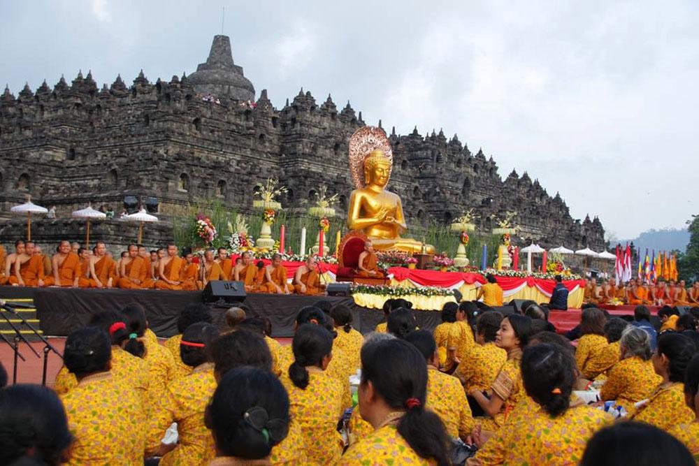 20160718 Megahnya Asadha Agung 2560 BE 2016 di Candi Borobudur 12