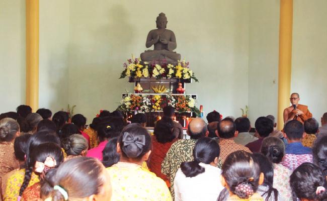 Umat Buddha Temanggung Rayakan Asadha Bersama Umat Muslim