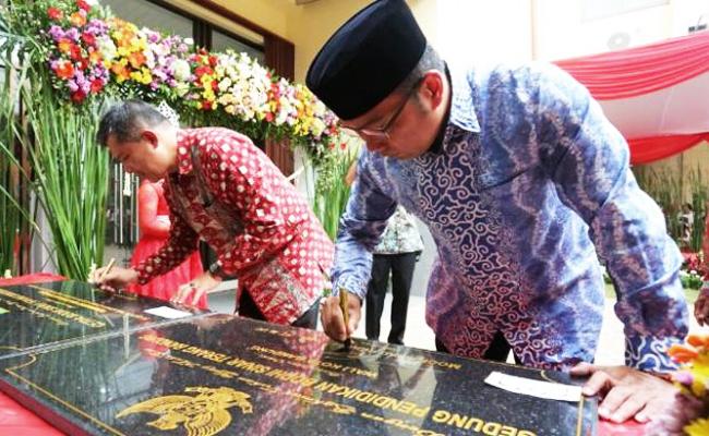 Wali Kota Ridwan Kamil Resmikan Gedung Pendidikan Bodhi Sinar Terang Bandung
