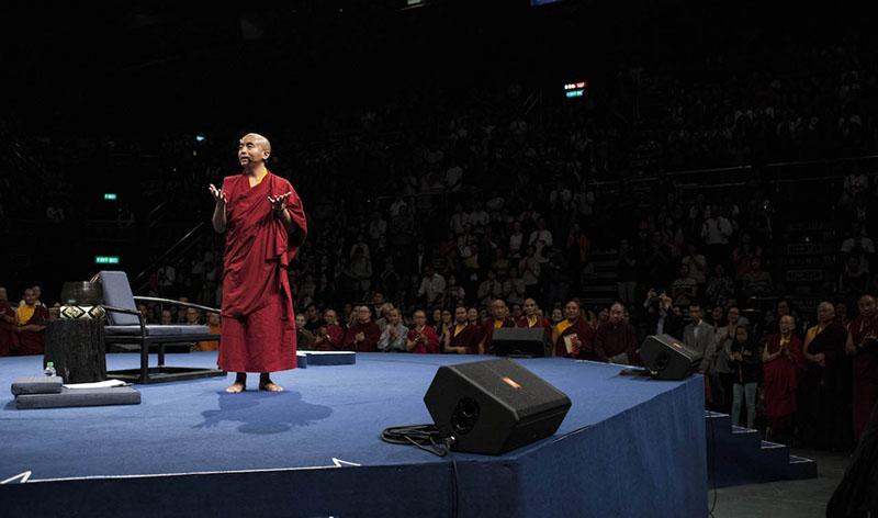 20161013-yongey-mingyur-rinpoche-retret-mengisolasi-diri-untuk-meningkatkan-meditasi-2