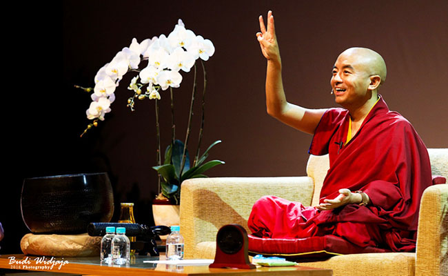 Penjelasan Mingyur Rinpoche Ini Membuktikan Bahwa Meditasi Itu Santai dan Menyenangkan