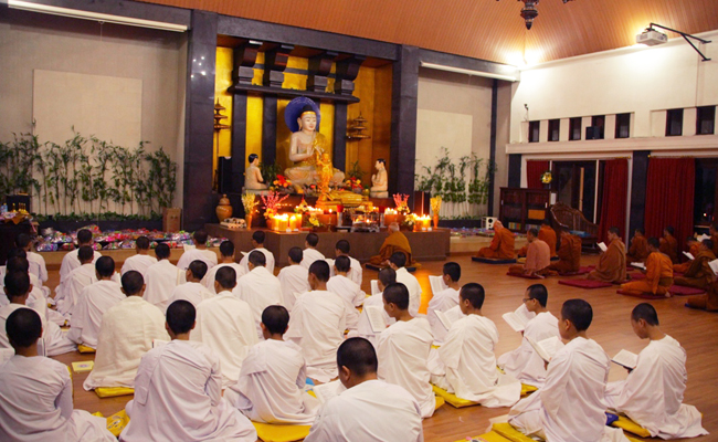 Mengintip Sekolah Calon Bhikkhu di Padepokan Dhammadipa Arama