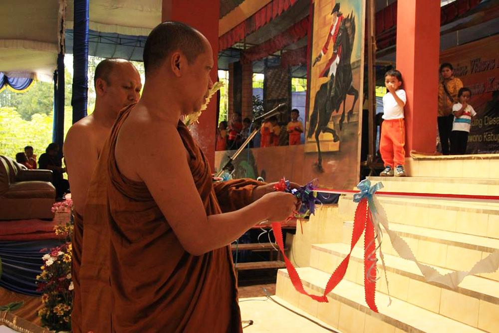 20161203-umat-buddha-semarang-resmikan-vihara-baru-sekaligus-sangha-dana-11