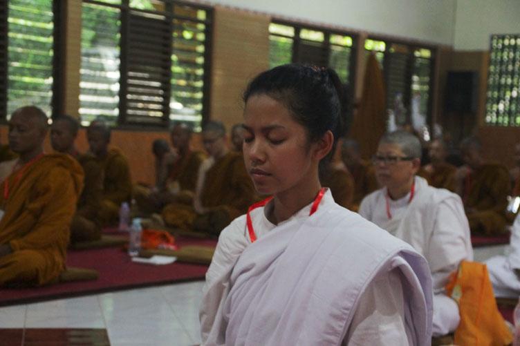 20161219-belajar-dan-praktik-ajaran-buddha-melalui-pabbajja-samanera-dan-atthasilani-3