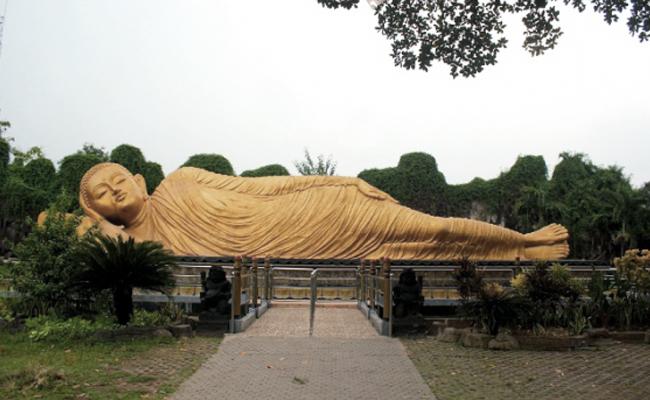 Maha Vihara Majapahit dan Patung Buddha Tidur, Ikon Mojokerto
