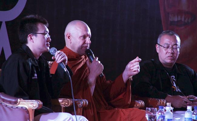 Ajahn Brahmali: Untuk Melatih Kesadaran Harus Punya Hati yang Baik