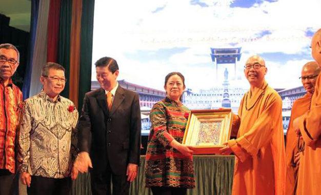 Hadiri Perayaan Waisak, Puan Ajak Umat Buddha Jaga Toleransi