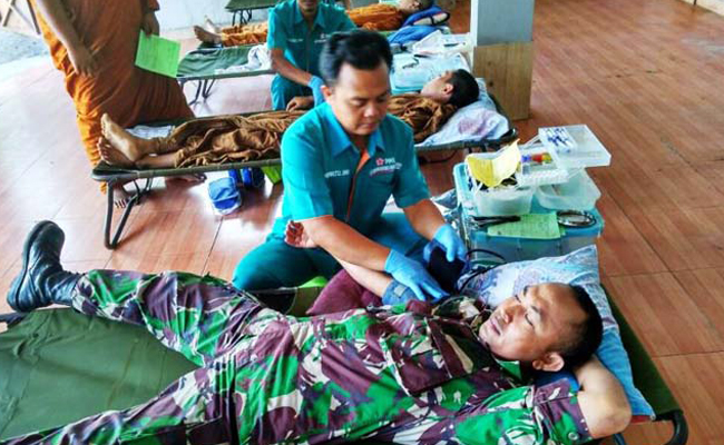 Hari Raya Asadha, Prajurit Ikut Donor Darah