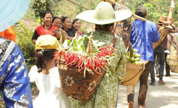 Agama Buddha dan Masyarakat Desa