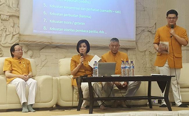 "Dhamma Talk dan Peluncuran ""Blessings To Conquer Sickness"""