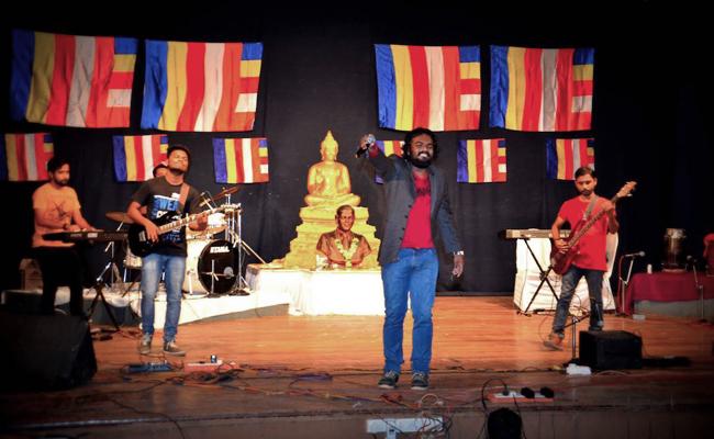 Grup Band Rock Dhamma Wings Serukan Penghapusan Sistem Kasta di India