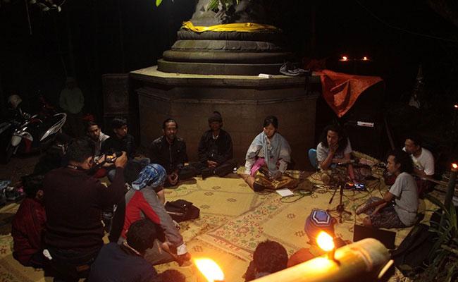 Menyesap Keheningan di Situs Watu Payung Temanggung
