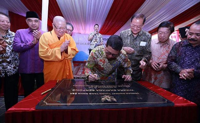 Menteri Agama Lukman Hakim Saifuddin Resmikan Wihara Ekayana Serpong