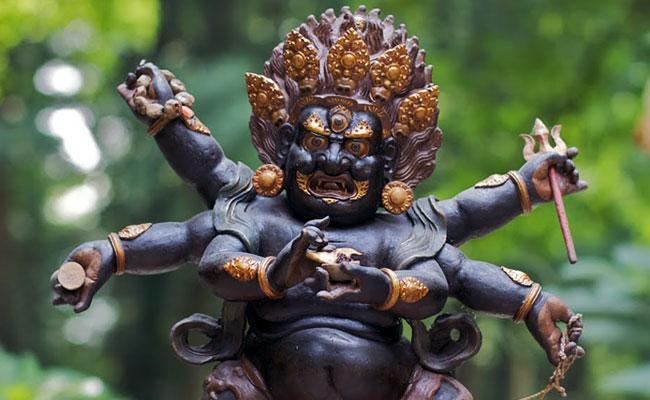 Mahakala Jubah Hitam Pelindung Dharma Silsilah Karmapa
