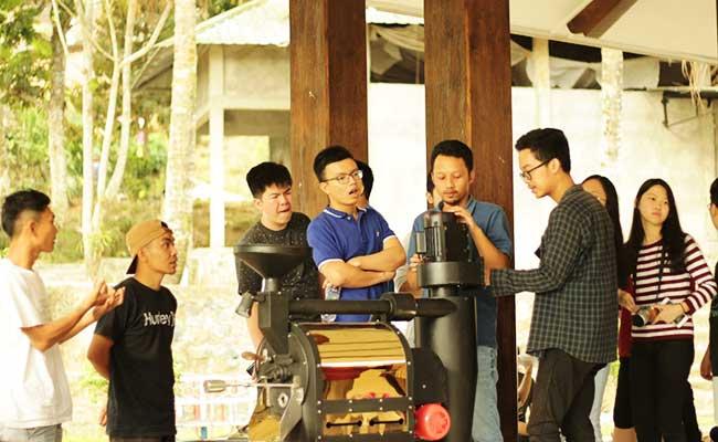 KMBUI Membuat Desa Binaan di Temanggung