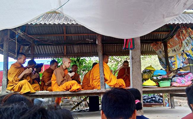 Tradisi Unik Peringatan Kematian di Desa Bentek Lombok Utara