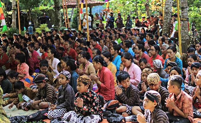 Kearifan Umat Buddha Jawa dalam Merawat Alam, Tribuana Manggala Bhakti