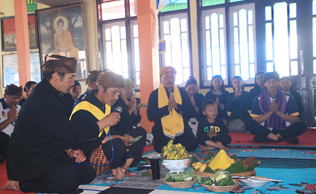 Waisakan Bersama Masyarakat Suku Tengger di Ngadas, Jawa Timur