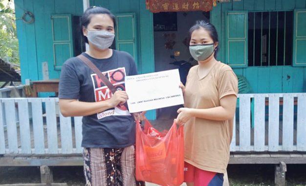 Baksos Keluarga Buddhis Indonesia-Amerika di Kalimantan Barat