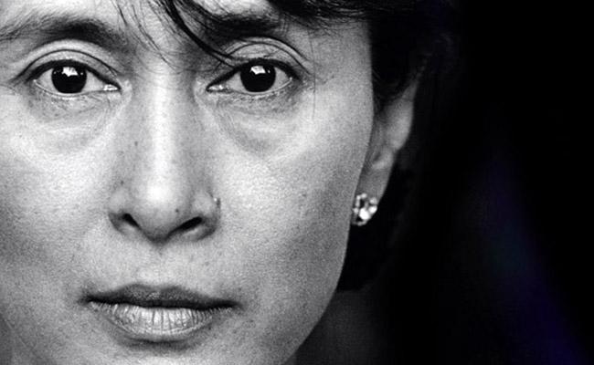 """Aung San Suu Kyi: """"Buddhisme Sangat Mempengaruhi Cara Berpikir Saya"""""""